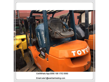 4-wheel front forklift TOYOTA FD30