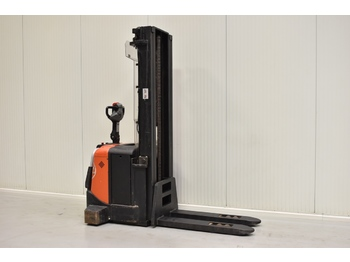 BT SPE 160 - stacker