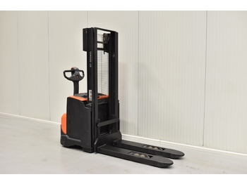 BT SWE 140 - stacker