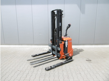 Stacker TOYOTA 7 SLL 13,5 S