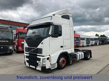 Tractor unit Volvo *FH 440*EURO 5*MOTORBREMSE*1.HAND*2x ALU TANK *
