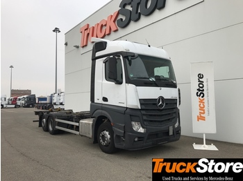 Container transporter/ swap body truck Mercedes-Benz Actros ACTROS 2543